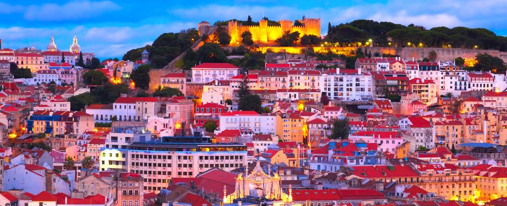 Portugali kaupunkimaisema kukkulalla